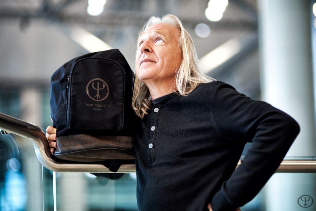 Отец этно-электроники лидер группы Deep Forest Эрик Муке вдохновился на альбом Deep Russia