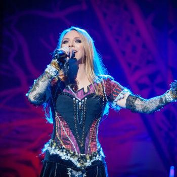 Певица Варвара призвала детей петь песни по возрасту