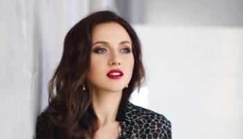 Юлия Жукова презентовала клип на песню «Стали чужими»