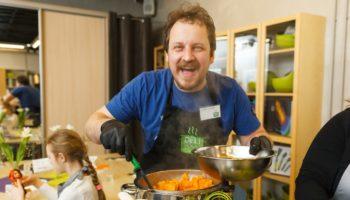 Кулинарный мастер-класс «Гриль-вечеринка: Шашлыки & Стейки» в FoodStudioDELI
