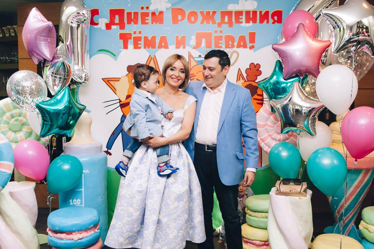 Поля Полякова, Александр Хинштейн с сыном Левой2