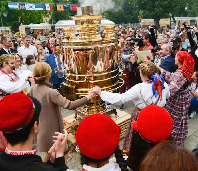 В Москве на Поклонной горе широко развернется Фестиваль русского гостеприимства «САМОВАРФЕСТ»