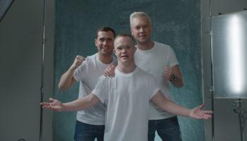Благотворительный фонд «Синдром любви» и режиссер Федор Бондарчук подготовили серию социальных роликов
