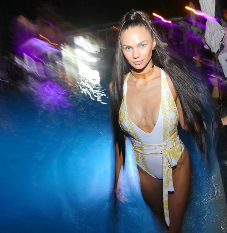 Показ русского дизайнера Eliya Cioccolato на Swim Miami Fashion Week помог мексиканским детям