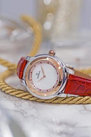 Часовой завод НИКА представил новинку — часы, выполненные в технике БИКОЛОР
