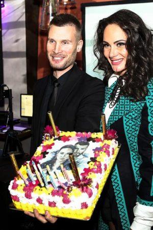 Ева Бристоль отметила день рождения и представила дуэтный клип #PUZZLE с Николаем Демидовым!