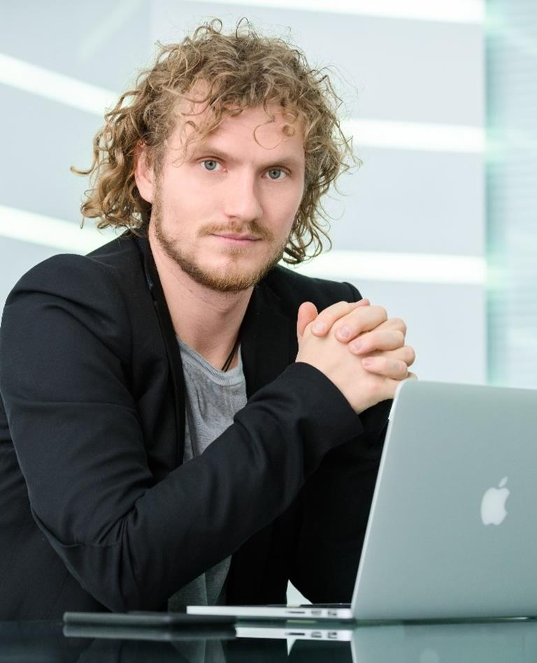 Алексей Вольвак: «Основа всего - искренний интерес к людям и тому, что делаешь»