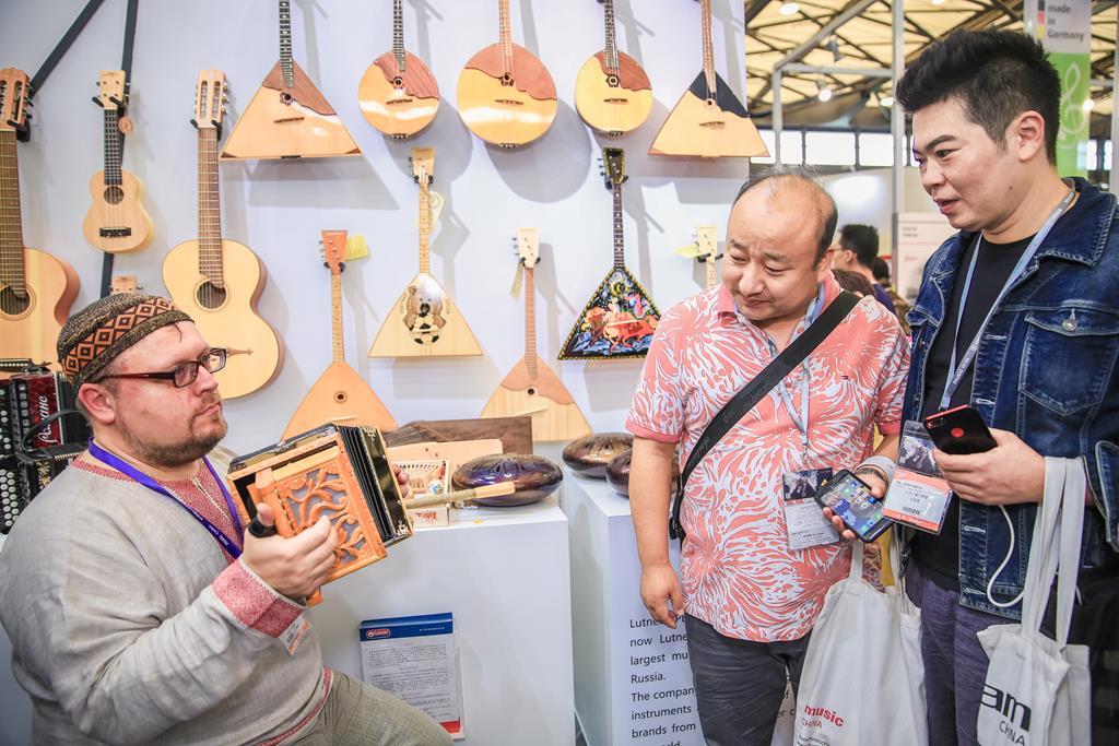 Музыка нас связала: российские производители музыкальных инструментов и аксессуаров выходят на восточный рынок