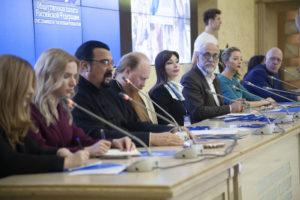В Москве прошел форум «Синий платочек Победы»