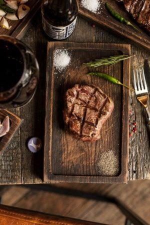 Натуральные Вина в «Хищnik Стейкs&Burgers»
