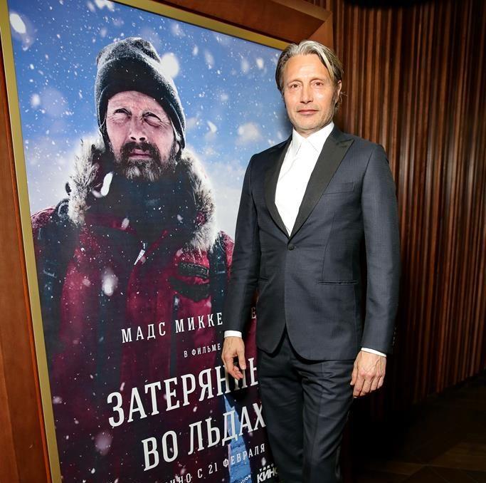 Мадс Миккельсен познакомил российских знаменитостей с «Затерянными во льдах»