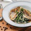 Craft Kitchen_сазан на гриле с отварным рисом, шпинатом и соусом демик даши (720 руб.)