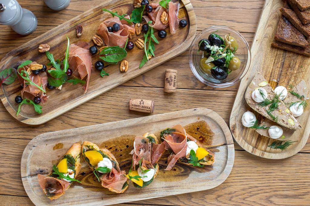 Table one — новый проект от Local band про завтраки, вино и не только!