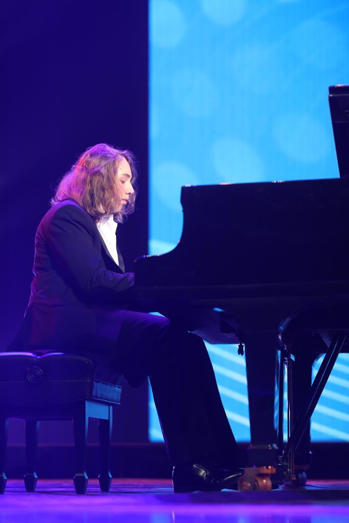 Детский хор «Великан» отпраздновал десятилетие с Полиной Гагариной, Денисом Майдановым и Swanky Tunes