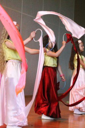 На фестивале «Танцевальная весна» в школе № 2025 танцевали все!