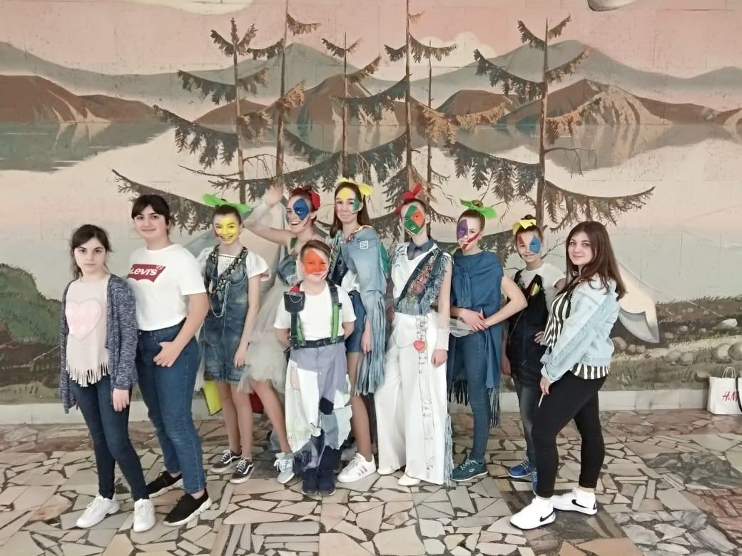 Джинсовая коллекция модельеров школы №2065 победила в конкурсе