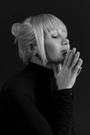 SASHA DEDOVA: «Я не способна петь песни других авторов»