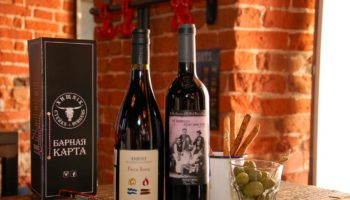 «Хищnik Стейкs&Burgers»: биодинамика и натуральные вина