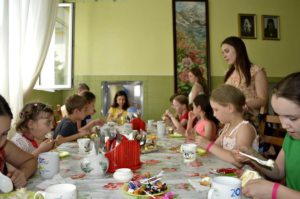 «Мисс Благотворительность» в детском приюте «Покров»