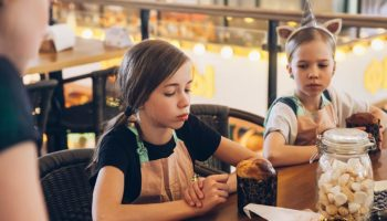 Мастер-классы для детей на Усачёвском рынке