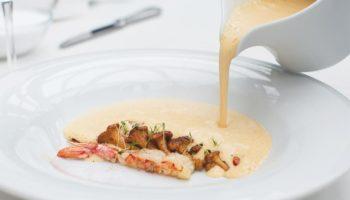 Суп сырный с лисичками