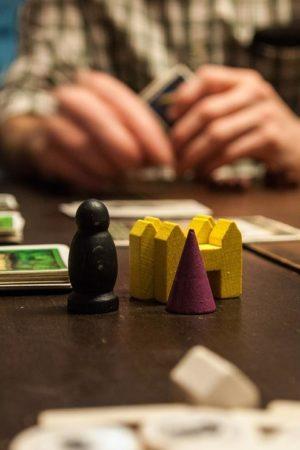 10 настольных игр для разных профессий