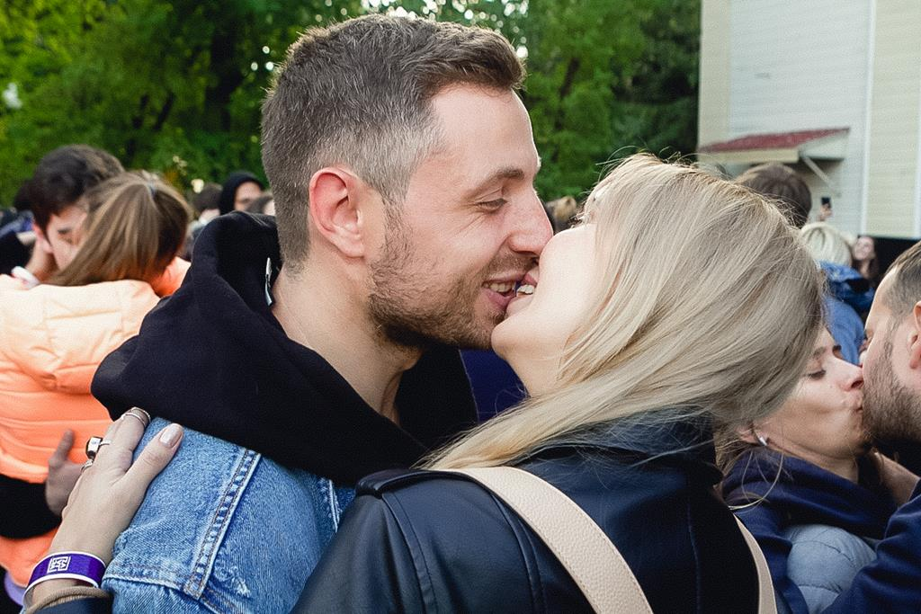 В Москве установили рекорд по поцелуям