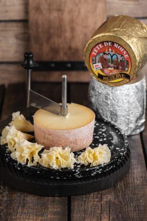 Tête de Moine швейцарский сыр