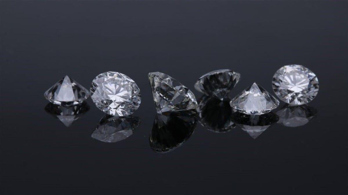 MIUZ Diamonds