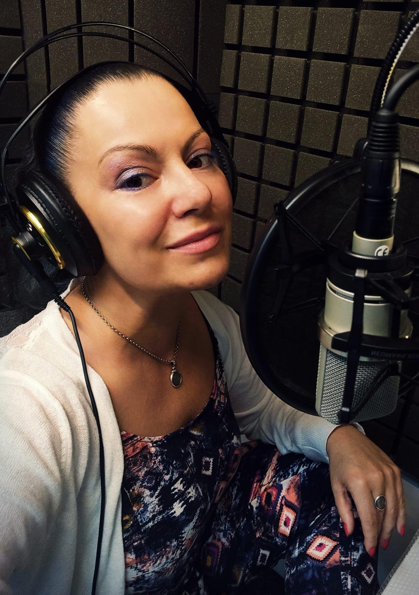 Актриса Марина Лисовец